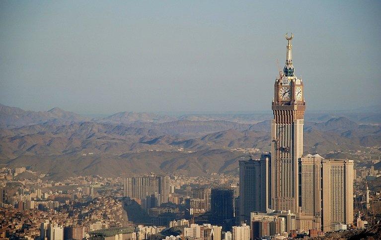 Saudi Arabia to allow unaccompanied women tourists above 25