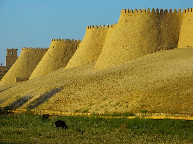 castle in turkmenistan